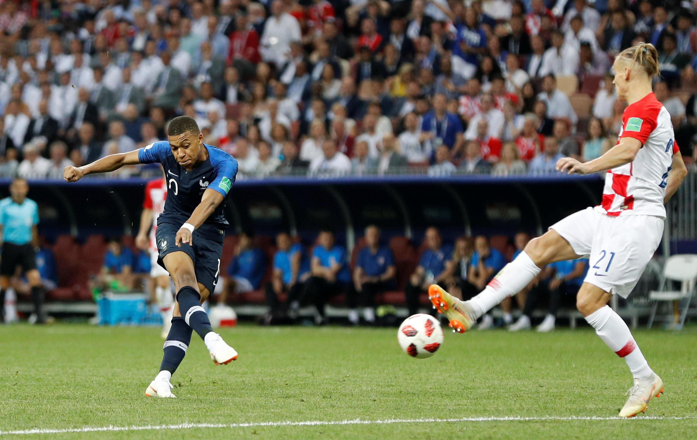 Kylian Mbappé marque le quatrième but français en finale de la Coupe du monde.
