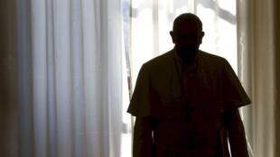 Hai cuốn sách xuất hiện đồng thời tại Ý phơi bày tình trạng đấu đá nội bộ Vatican