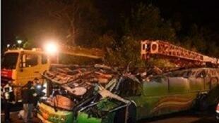 حملۀ انتحاری به اتوبوس سپاه پاسداران در محور خاش- زاهدان