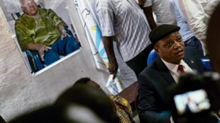 Le secrétaire général de l'UDPS Jean-Marc Kabund-a-Kabund, ici lors d'une conférence de presse à la résidence de feu Etienne Tsisekedi, à Limete, commune de Kinshasa, le 28 mars 2017.