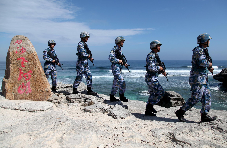 Quân đội Trung Quốc tuần tra trên đảo Phú Lâm, thuộc quần đảo Hoàng Sa, ngày 29/01/2016.