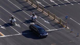 金正恩座車在護衛下進入北京市中心
