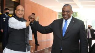 印度国防部长辛格与美国国防部长奥斯汀资料图片