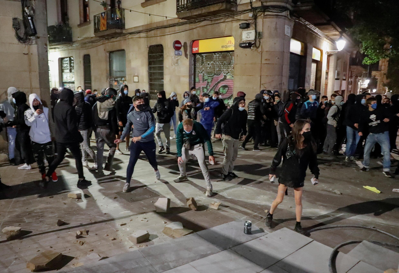 Protestas en Barcelona contra las nuevas restricciones, 30 de octubre de 2020.