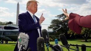 Tổng thống Mỹ Donald Trump trả lời báo giới tại Nhà Trắng. Ảnh 4/10/2019.