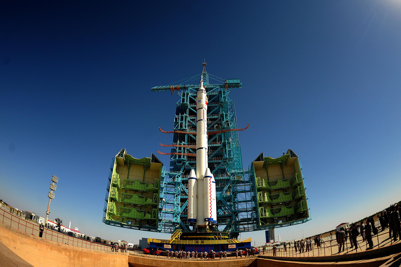 Ảnh minh họa: Tên lửa Trung Quốc Trường Chinh mang tàu vũ trụ Thần Châu -11, tại trung tâm phóng vệ tinh Tửu Tuyền, ngày 10/10/2016. Theo Financial Times ngày 16/10/2021, Trung Quốc đã bí mật thử nghiệm một tên lửa siêu thanh trên không gian vào tháng 8/2021.