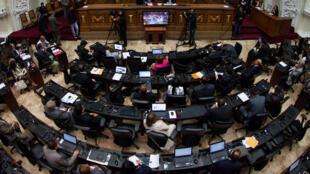 La reprise du dialogue entre le gouvernement et l'opposition vénézuélienne prévue ce mercredi en République dominicaine, a été annulée faute de la présence des ministres des Affaires étrangères des pays qui accompagnent ce processus.