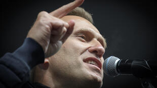 Russian opposition leader Alexei Navalny fell ill on a flight from Siberia on Thursday