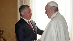 Ce mardi 19 décembre au Vatican, le roi jordanien Abdallah II et le pape François ont affiché leur proximité.