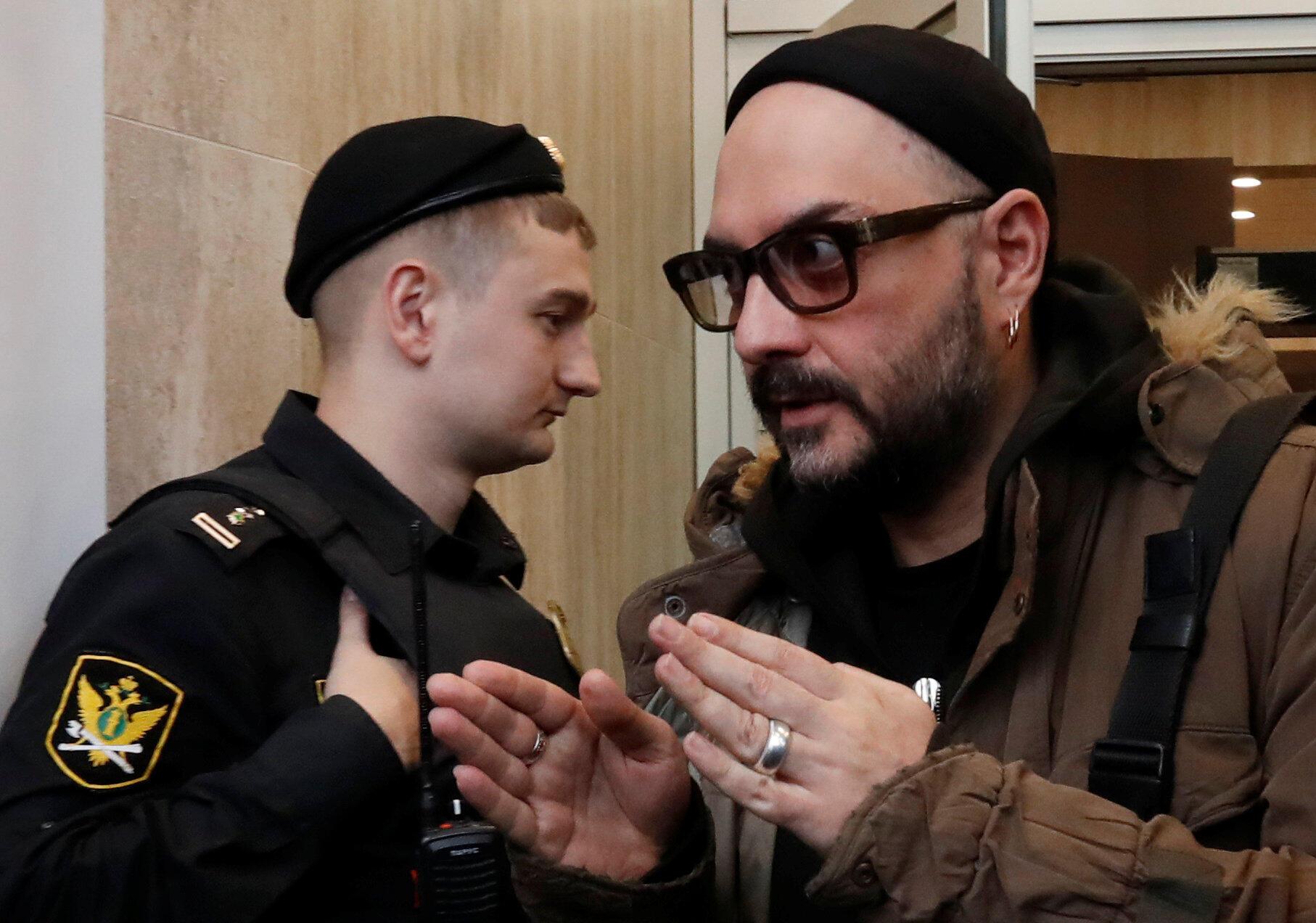По словам Кирилла Серебренникова, организовать автономную некоммерческую организацию посоветовали в министерстве культуры