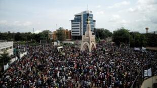 Le mouvement M5, né début juin et composé d'une partie de la société civile, de l'opposition politique et de religieux, a organisé sa troisième manifestation ce vendredi 10 juillet pour réclamer la démission du chef de l'État Ibrahim Boubacar Keïta