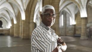 L'artiste ghanéen El Anatsui à la Conciergerie de Paris.