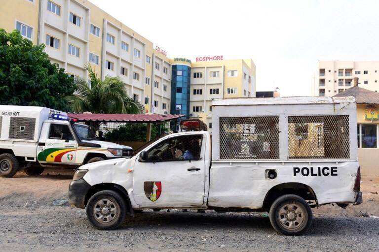 Un véhicule de police dans une rue de Dakar, le 2 octobre 2017.