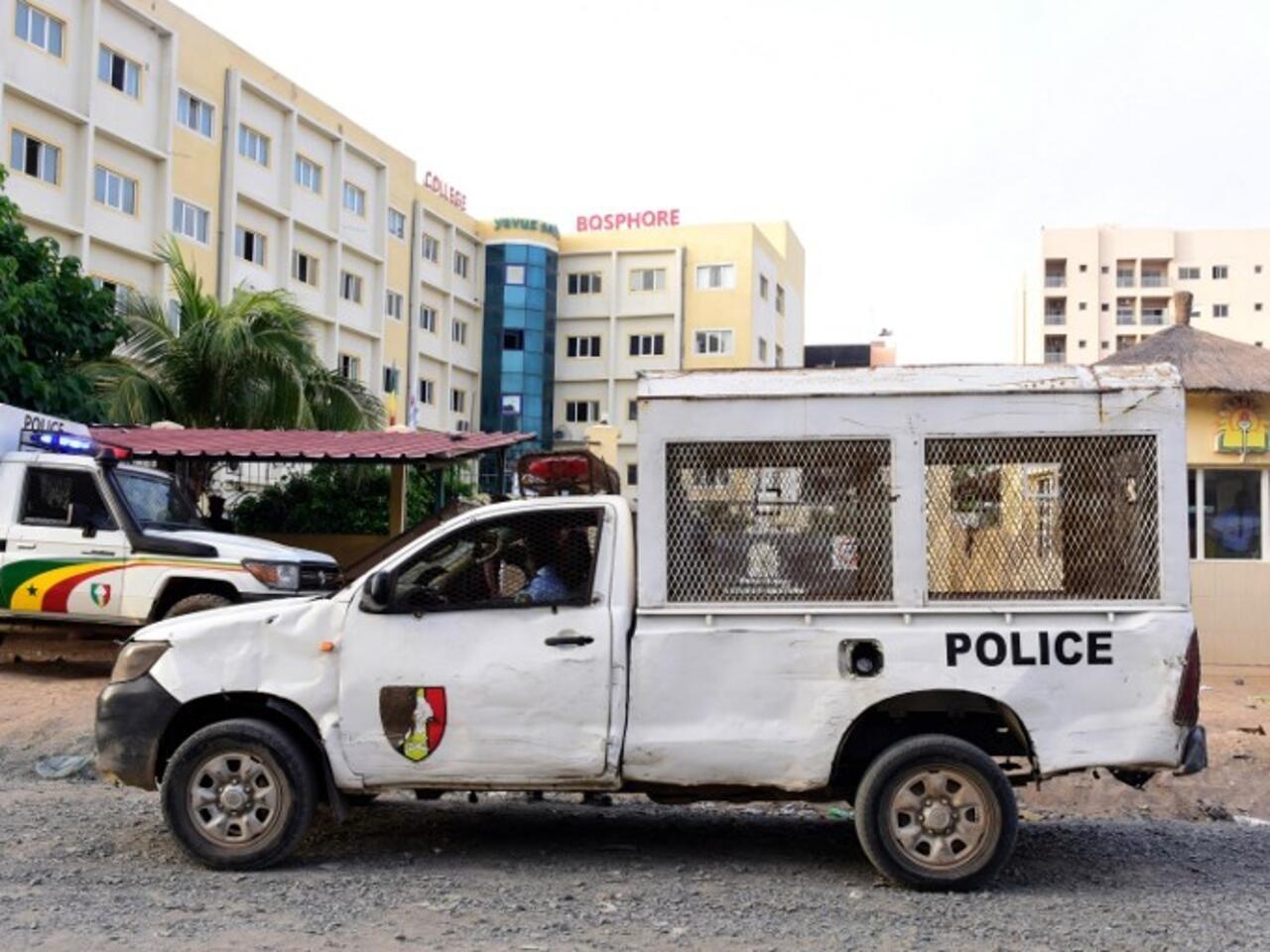 Sénégal: un policier suspendu après avoir giflé un motard