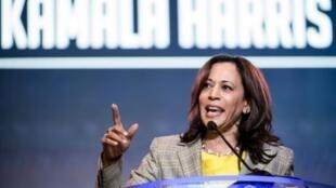 La senadora Kamala Harris, precandidata demócrata, logró un aumento del apoyo a su nominación en la última encuesta de la Universidad de Quinnipac