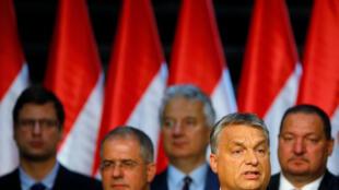 Le Premier ministre hongrois, Viktor Orban, donne un discours après le référendum sur les quotas de migrants, à Budapest, le 2 octobre 2016.