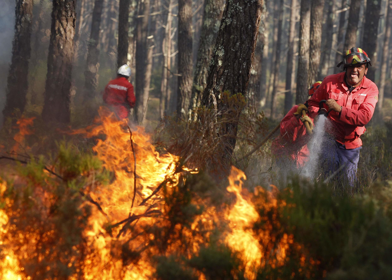 Incêndios em Portugal durante o mês de julho de 2017 mobilizaram mais de 7.000 bombeiros