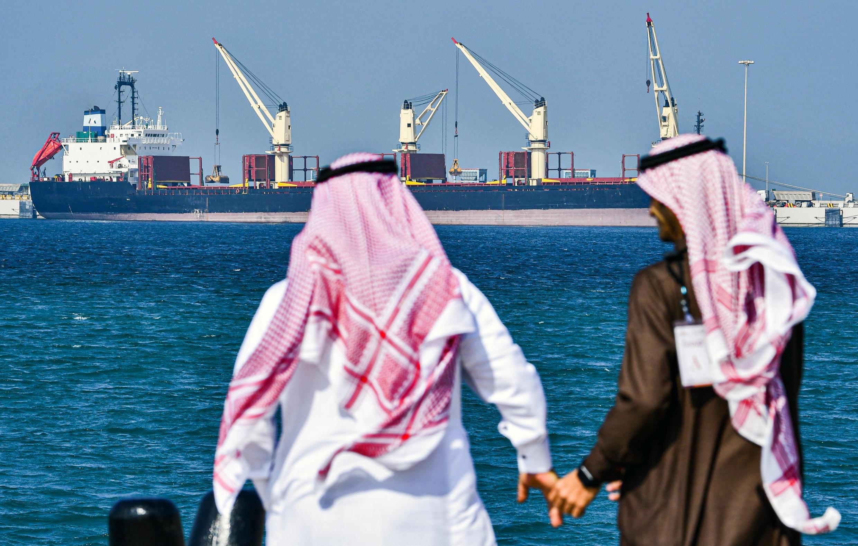 Un petrolero en el puerto de Ras al Jair, unos 185 km al norte de Dammam, en Arabia Saudí, el 11 de diciembre de 2019