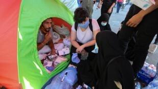Les habitants de Beyrouth, pour certains privés de toits, doivent faire face à une pénurie alimentaire.