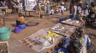 Le marché de Bissau.