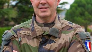 Général Jean-Pierre Bosser est le chef d'état-major de l'armée de terre.