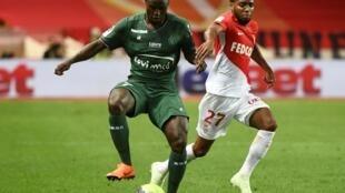 Paul-Georges Ntep, ici sous les couleurs de Saint-Etienne lors d'un match contre Monaco en mai 2018, a décidé de porter les couleurs du Cameroun en sélection nationale.