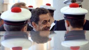 Le président français Nicolas Sarkozy sur la base de Lanvéoc-Poulmic, dans le Finistère, le 3 janvier 2012.