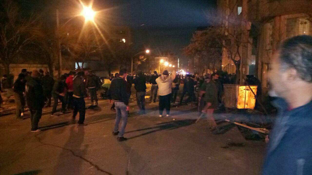درگیری دراویش گنابادی و پلیس ضدشورش در شمال تهران دوشنبه سی ام بهمن ماه