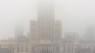 Varsovie sous le smog.