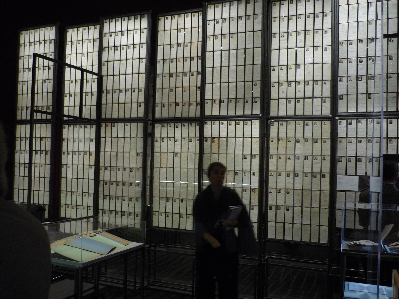 """Le grand fichier central dans l'exposition """"Fichés ?"""" aux Archives nationales"""