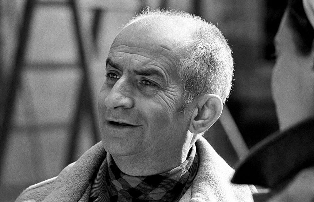 L'acteur français Louis de Funès lors du tournage du film «L'Homme orchestre» (réalisé par Serge Korber). Bassano Romano (Viterbe), Italie, mars 1970.