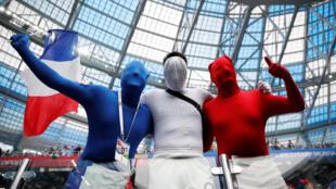 Aficionados franceses esperan ya la final