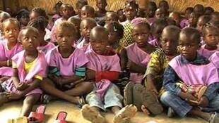 La cour de la maternelle de la communauté de Siribala, ce centre est l'un de 18 centres d'apprentissage précoce au Mali et accueille 60 élèves.