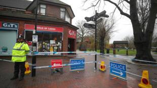 Cảnh sát vẫn cô lập nơi mà Sergei Skripal và cô con gái được tìm thấy bất tỉnh ở Salisbury, Anh Quốc. Ảnh ngày 3/04/2018.