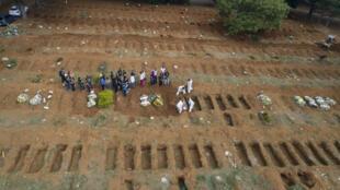 Brasil Bresil Covid Cemiterio Vila Formosa