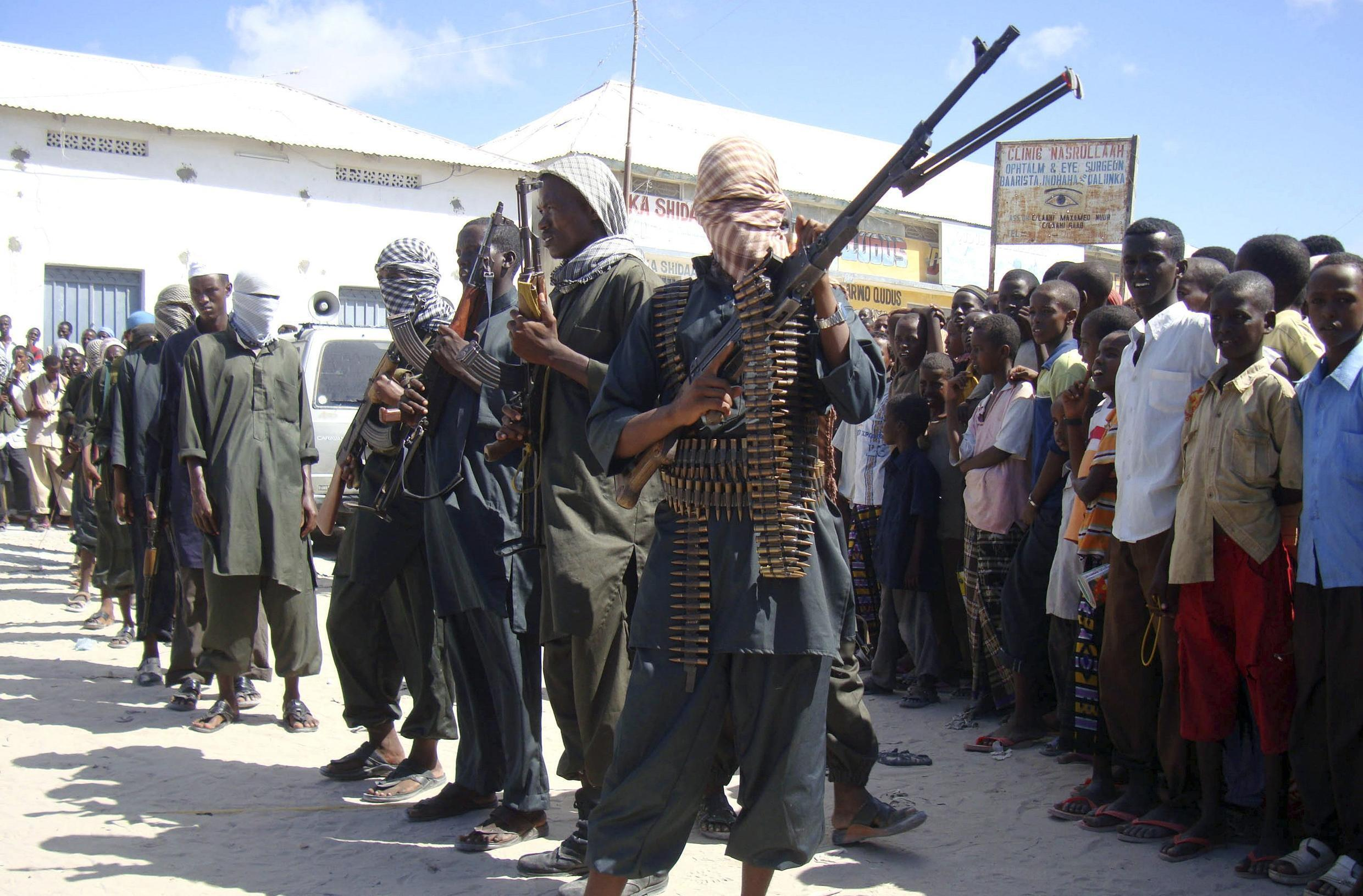 Militants from Hisbul Islam in the streets of Mogadishu, 21 April