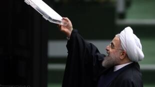 حسن روحانی، رئیس جمهوری ایران  در مجلس - یکشنبه ۱۴ آذر