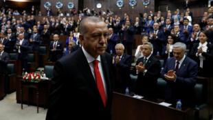 Tổng thống Thổ Nhĩ Kỳ Tayyip Erdogan lên phát biểu trước Quốc Hội, tại Ankara ngày 07/07/2018.