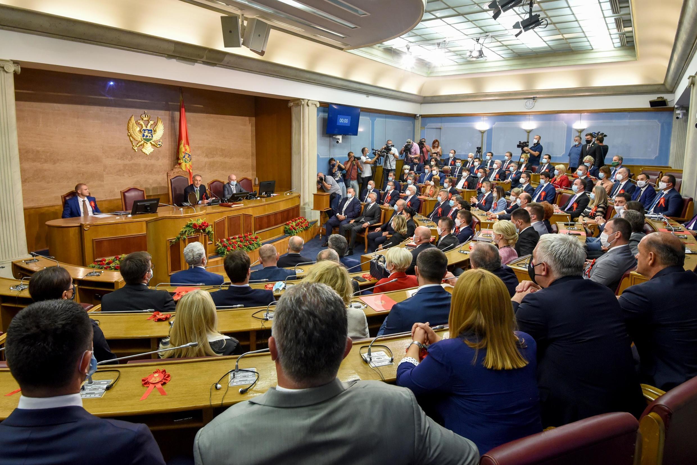 Les membres du Parlement du Monténégro, réunis pour la première fois depuis les élections du 30 août, le 23 septembre 2020 à Podgorica.