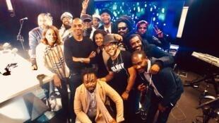 Diara Ndiaye, Sam Tshintu et ses musiciens, Agana et ses musiciens, et Claudy Siar.