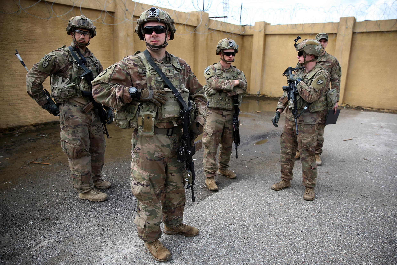 Soldados norte-americanos em Kirkouk, norte do Iraque, 29 de Março 2020.