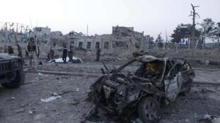 Автомобиль, взорвавшийся у консульства Германии в афганском городе Мазари-Шарифе, 11 ноября 2016 г.