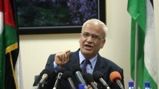 Le négociateur de l'Autorité palestinienne, Saeb Erakat, estime qu'avec la réélection de Netanyahu, la solution est de poursuivre les démarches auprès de la CPI.
