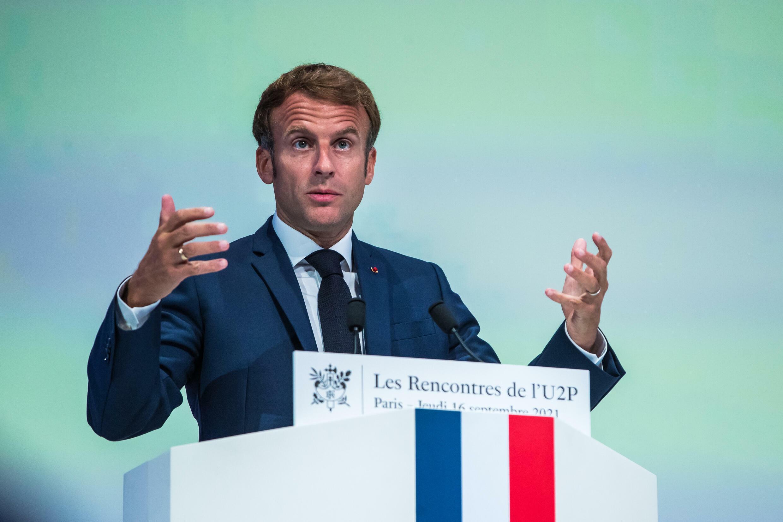 El presidente Emmanuel Macron habla durante un acto público el 16 de septiembre de 2021 en París
