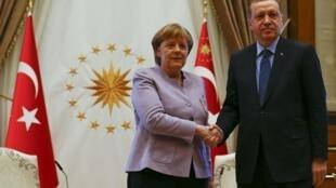 «Миграционное соглашение» все-таки «работает»: Ангела Меркель и Реджеп Эрдоган в Анкаре, 2 февраля 2017.