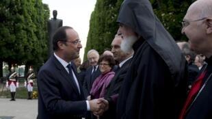 Франсуа Олланд во время церемонии в память жертв Геноцида Армян 24 апреля 2014 г. в Париже