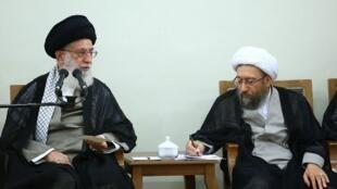 آیتالله علی خامنهای و آیت الله صادق آملی لاریجانی