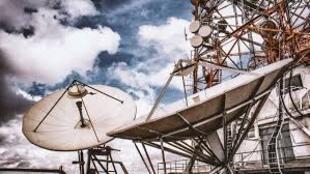 Angola lança concurso internacional para alargar mercado dos telefones a um quarto título