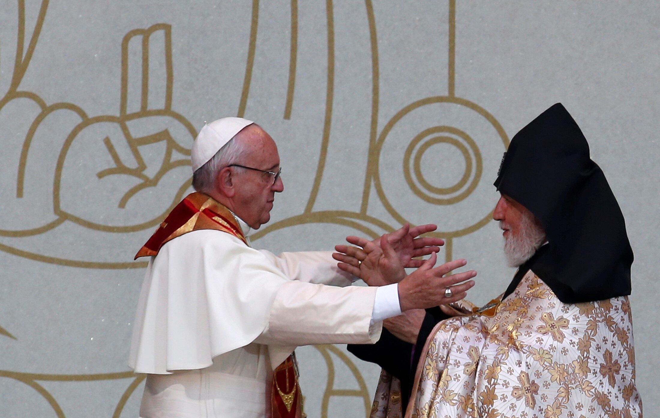 Папа Римский Франциск и Католикос всех армян Гарегин II, Ереван, 25 июня 2016.