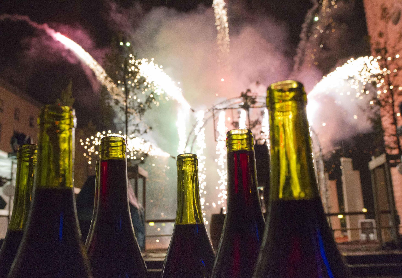 Chegada festiva do Beaujolais Nouveau em Lyon no sudeste da França.